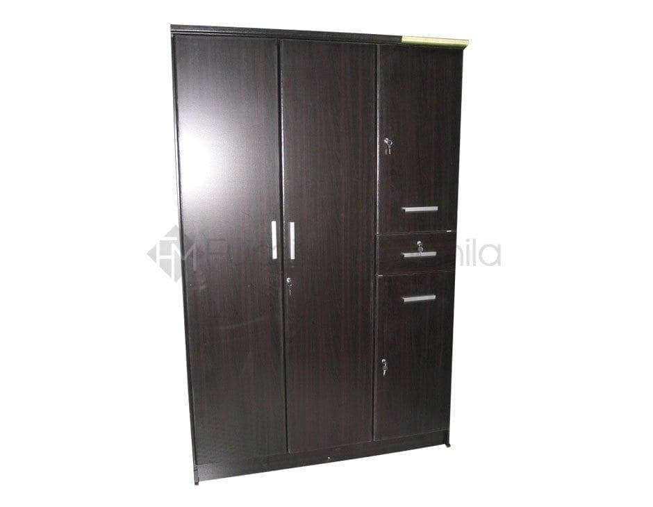 D1252 wardrobe